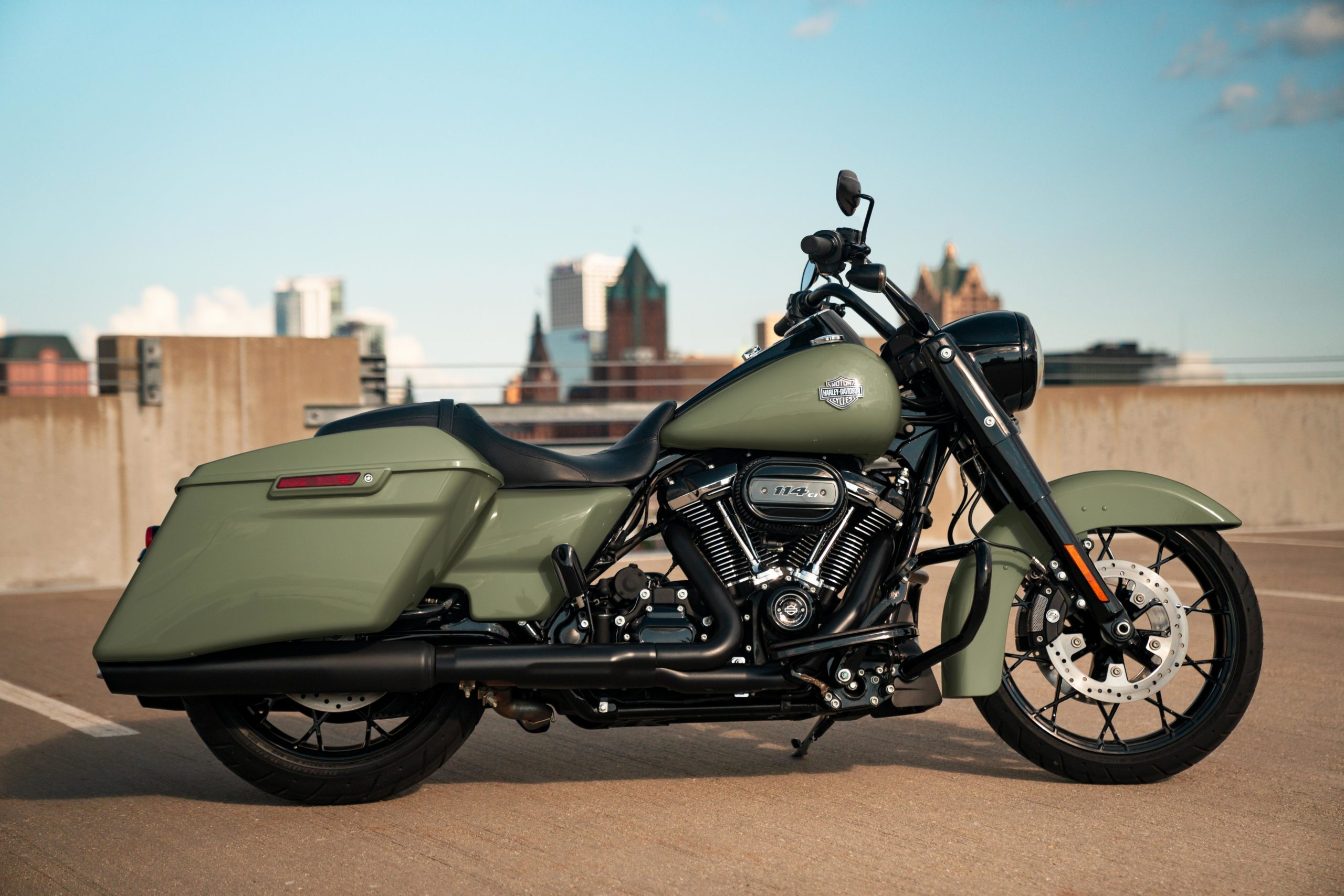 ROAD KING® SPECIAL (FLHRXS)